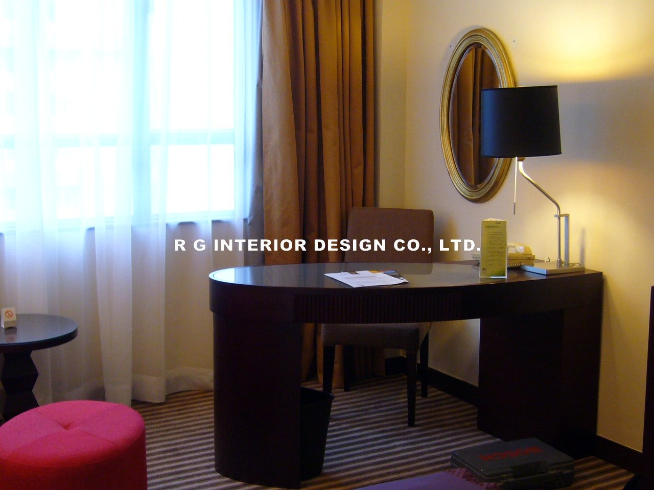 Metro park hotel show suite rg interior design co ltd for A t design decoration co ltd